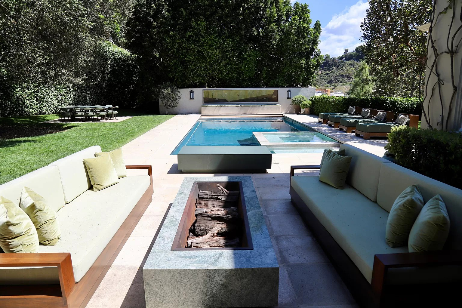 Firepit and pool