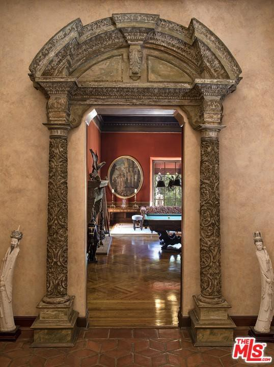 Greek-style entryway