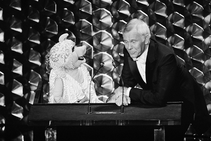 Johnny Carson and Miss Piggy