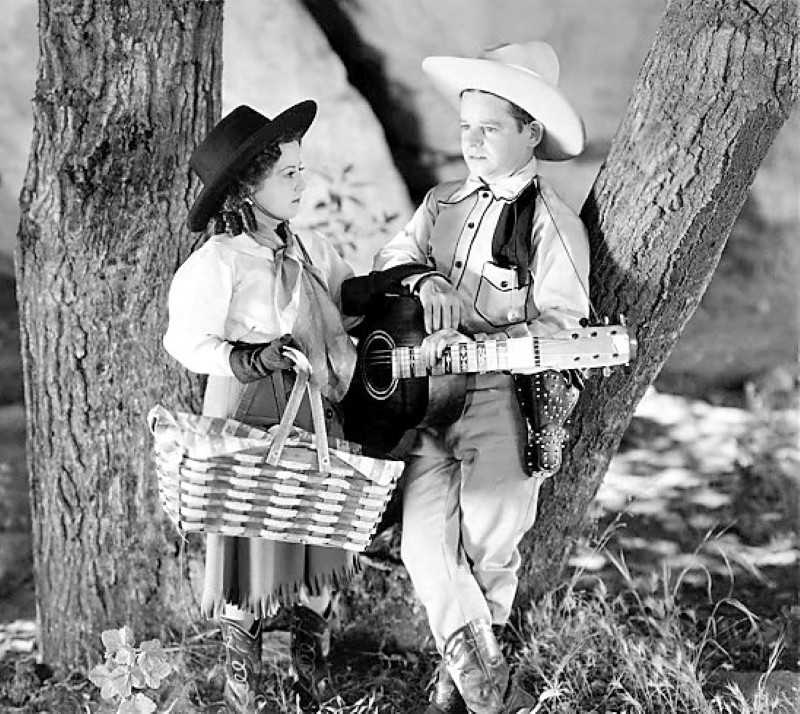 """Billy Curtis and Yvonne Moray in """"The Terror of Tiny Town"""""""