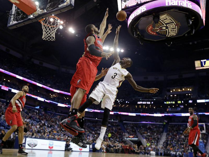 New Orleans Pelicans guard Anthony Morrow goes to the basket against Portland Trail Blazers