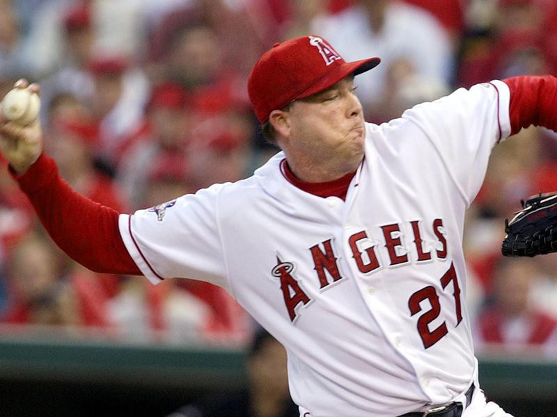 Anaheim Angels starter Kevin Appier about to throw