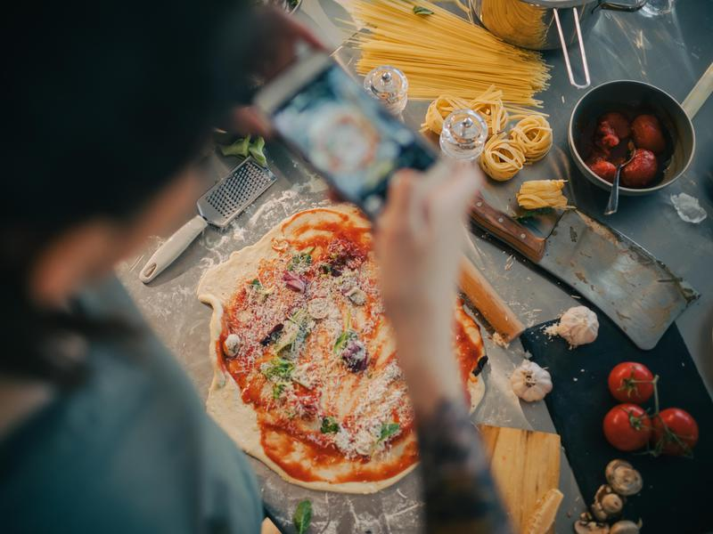 Smartphone photo of pizza making