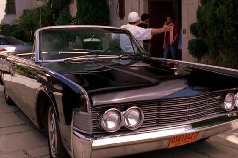 26. 1965 Lincoln Continental