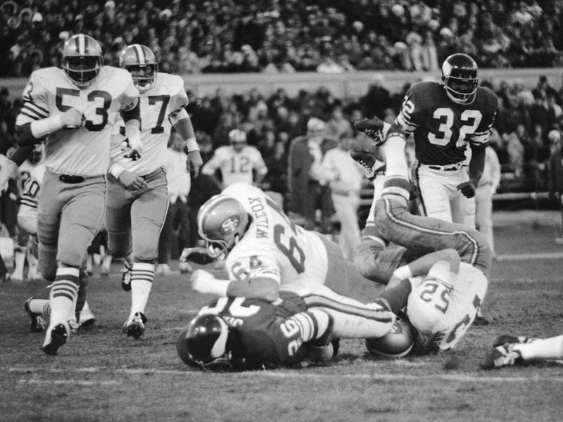 San Francisco 49ers linebacker Dave Wilcox takes down Minnesota Vikings running back Clinton Jones