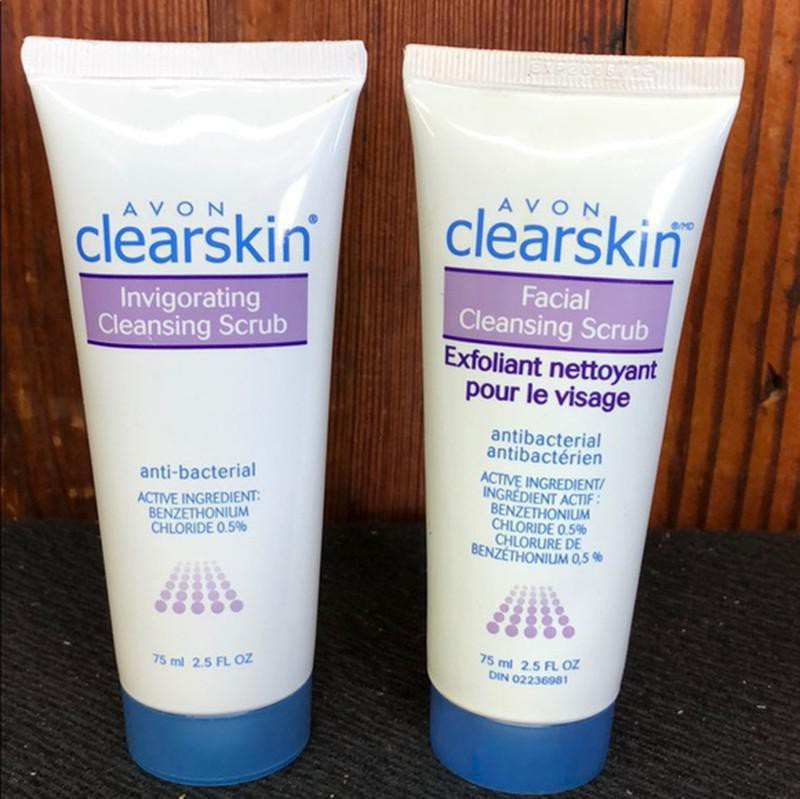 Avon Clearskin Invigorating Cleansing Scrub
