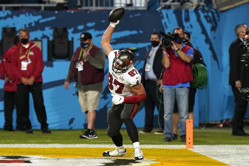 Rob Gronkowski celebrates in Super Bowl 55