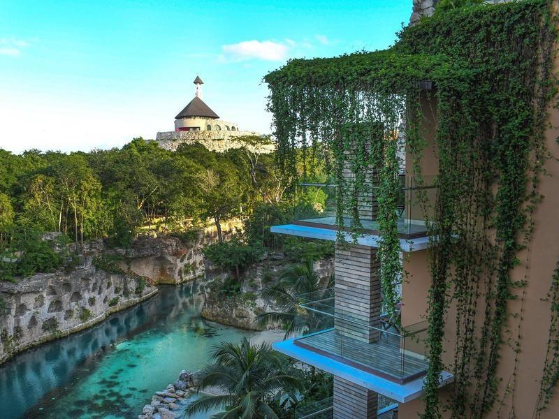 Luxury eco hotel in Mexico