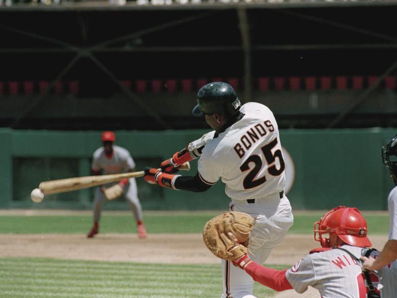 San Franciso Giants' Barry Bonds goes to bat
