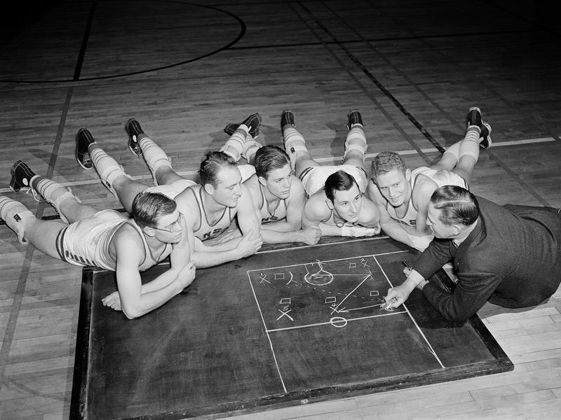 Phog Allen and 1940 Kansas players