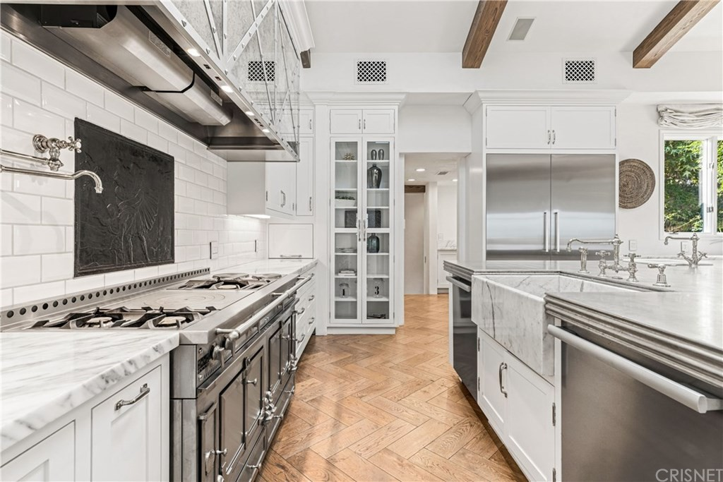 Huge kitchen with La Cornue stove
