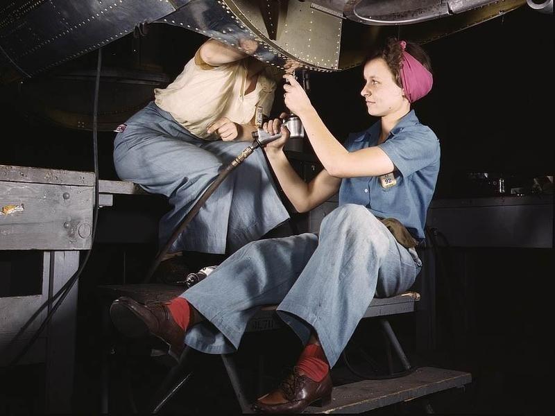 Women Working on Aircraft