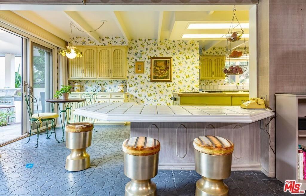 Danny Elfman and Bridget Fonda's kitchen