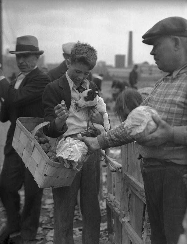 An early Great Depression bread line
