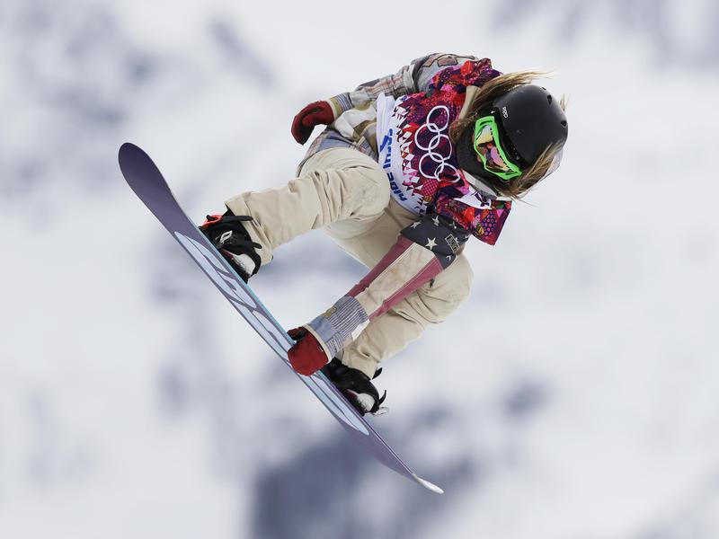 Jamie Anderson competes in snowboard slopestyle