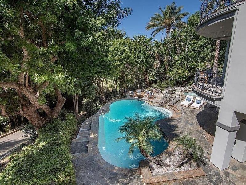 Selena Gomez's pool