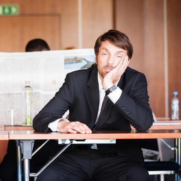 Laugh-Out-Loud Tweets About Work Meeting Fails