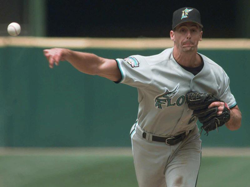 Florida Marlins starting pitcher Kevin Brown throws no-hitter