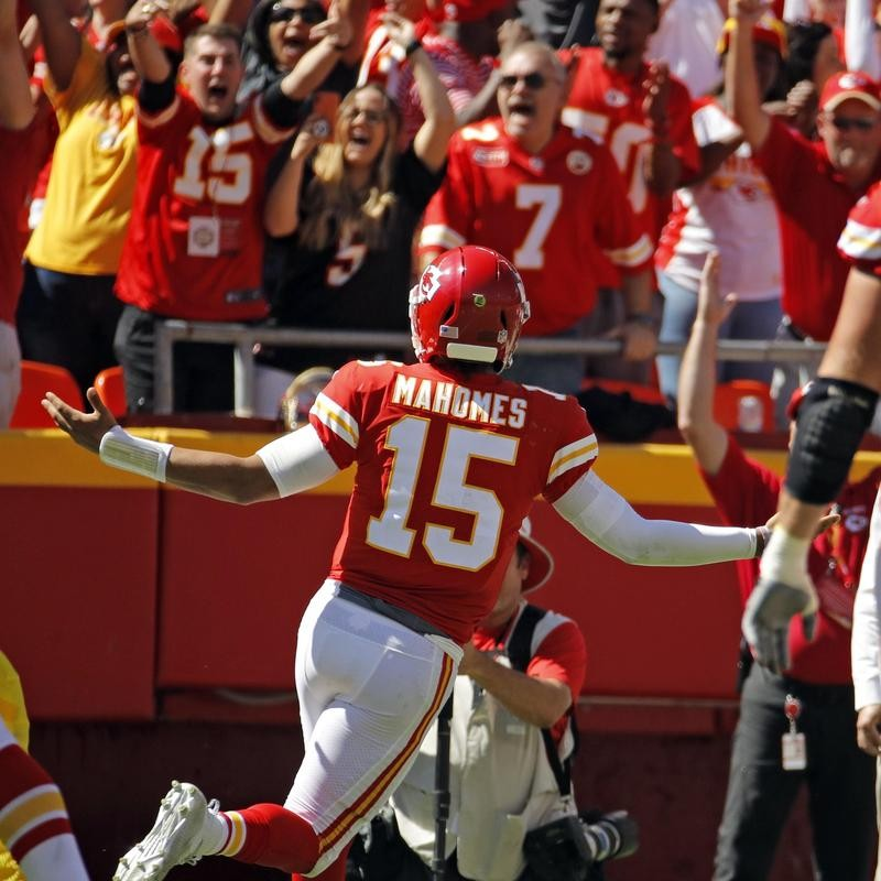 Patrick Mahomes celebrates with Chiefs fans