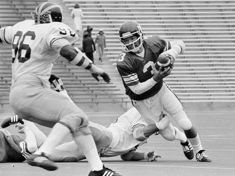 Northwestern quarterback Randy Dean in 1976