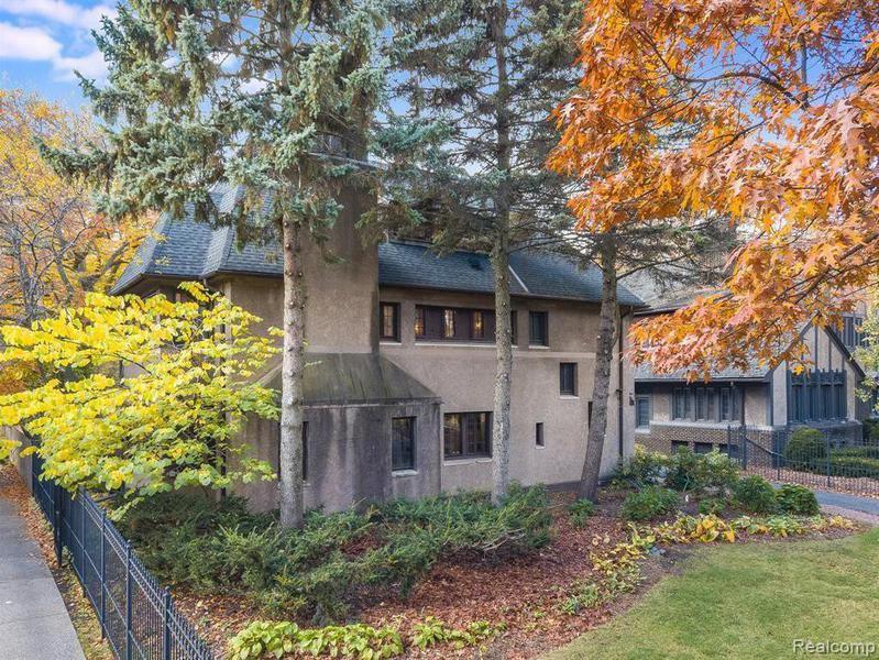 $1 million mansion in Detroit, Michigan