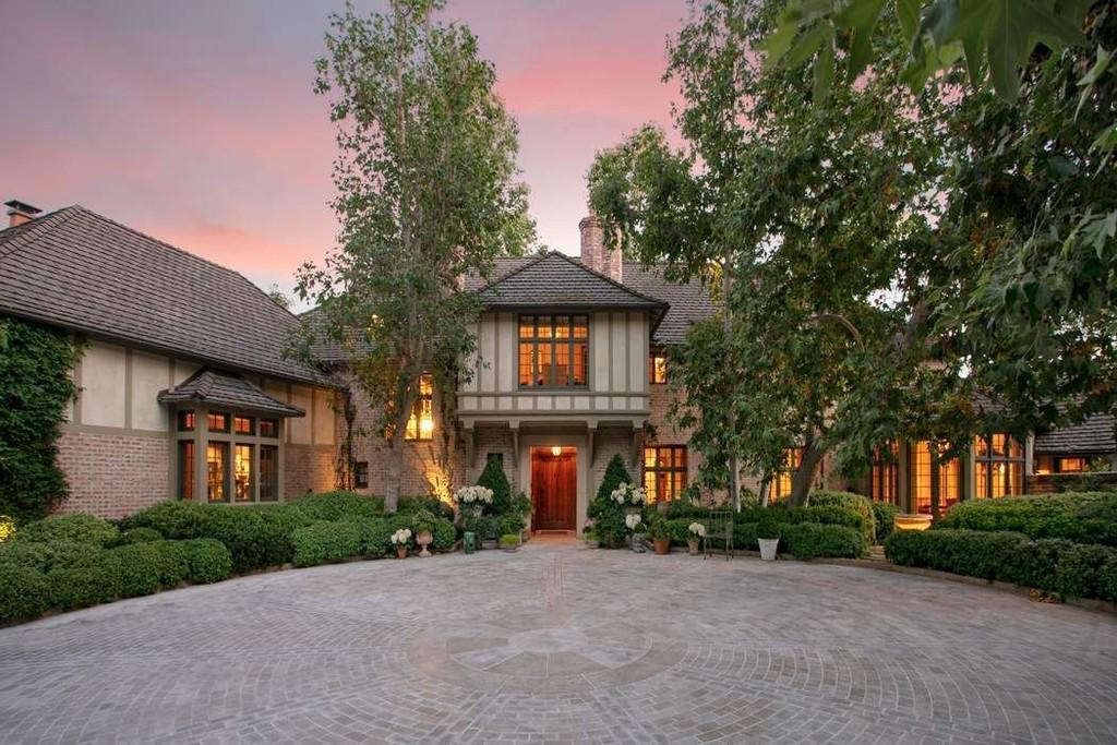 English-style mansion