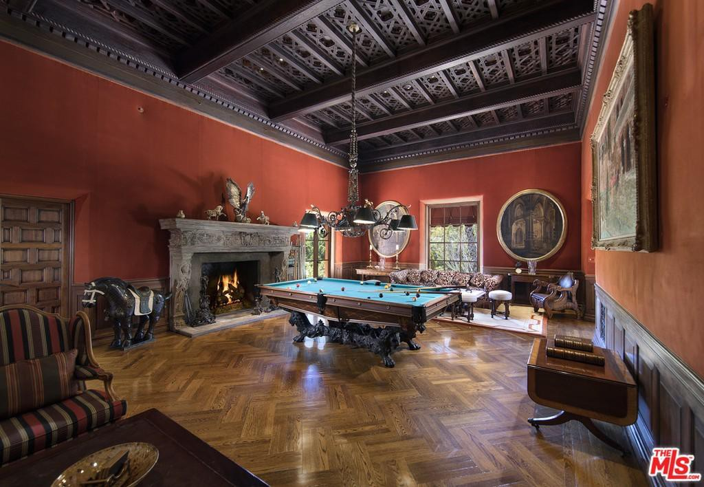 Enormous game room