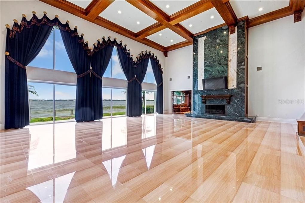 Shaquille O'Neal's living room remodel