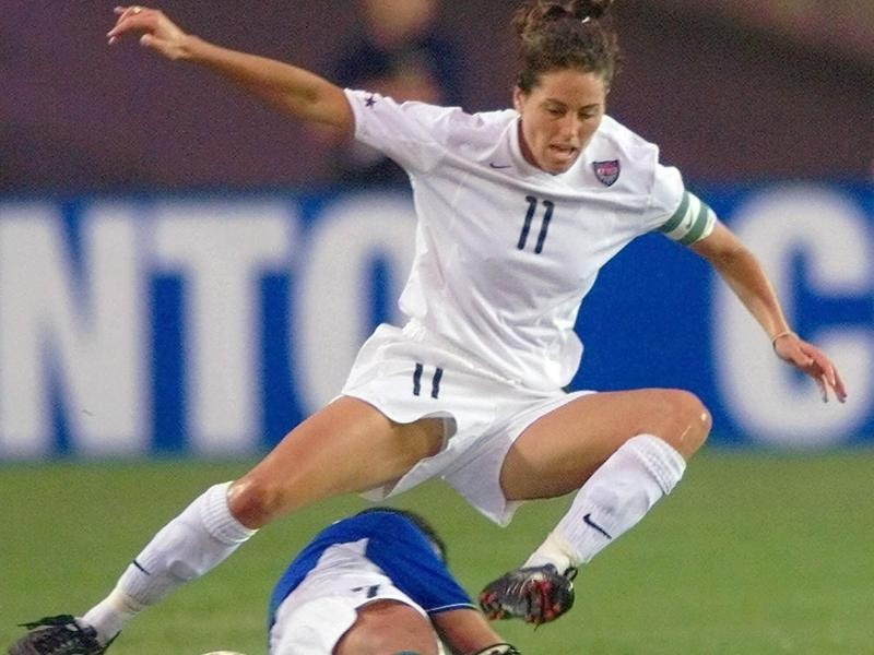 USWNT midfielder Julie Foudy