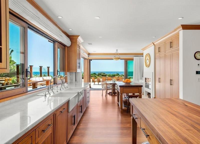Pierce Brosnan's kitchen