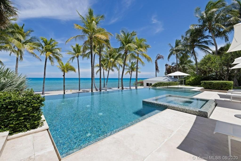 Tommy Hilfiger's pool