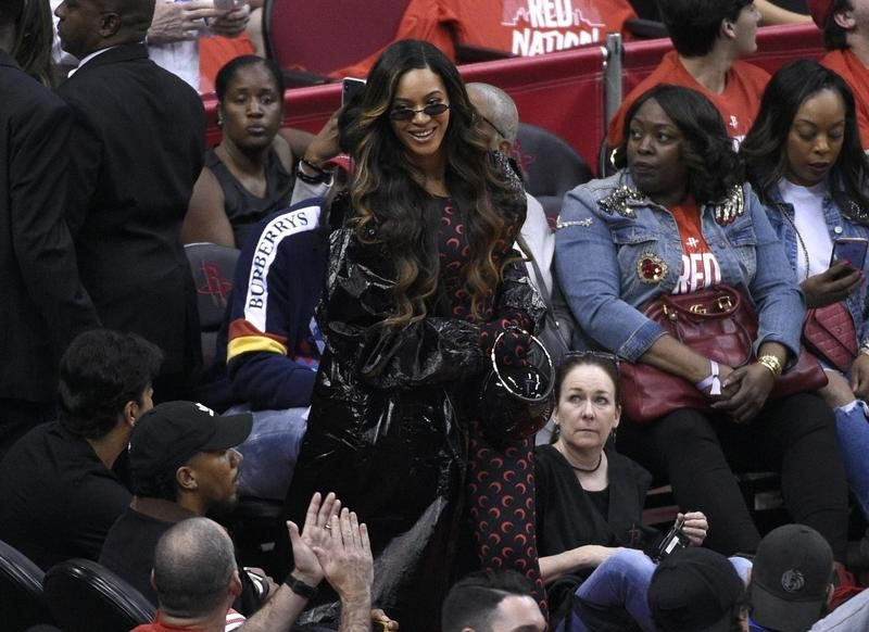 Beyonce at NBA playoff game between Houston Rockets and Golden State Warriors