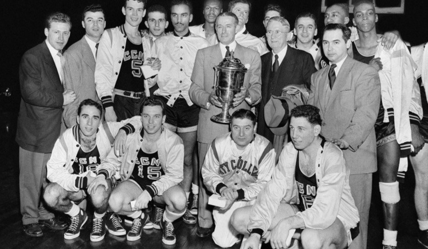 CUNY Beavers pose with trophy