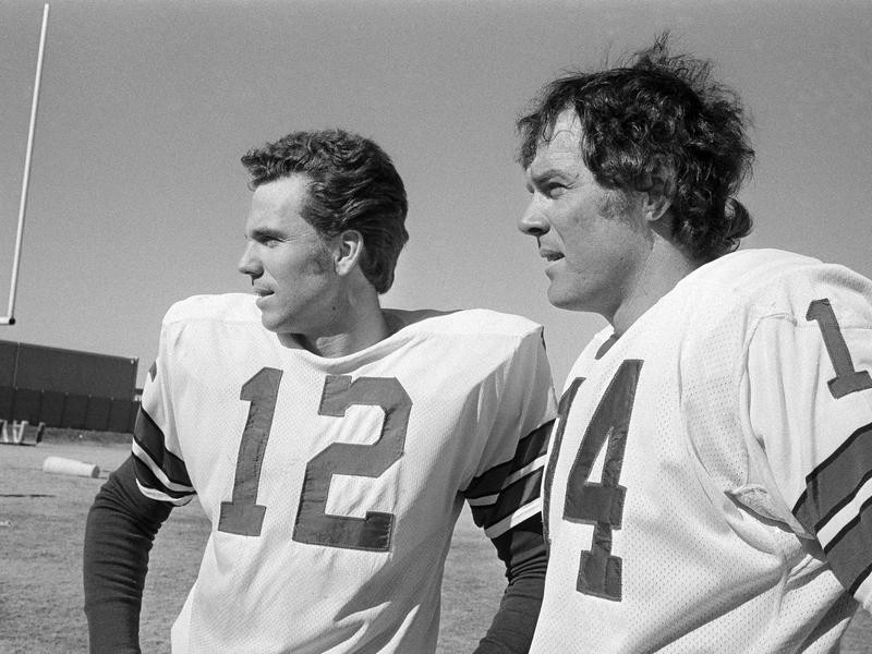 Roger Staubach and Craig Morton at practice