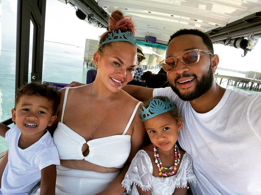 Luna and Miles Stephens with Chrissy Tiegen and John Legend