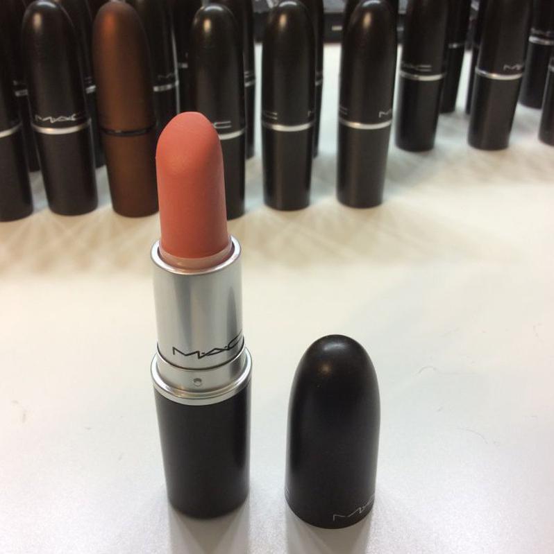 MAC Cosmetics Dressmaker, Dressmaker Lipstick
