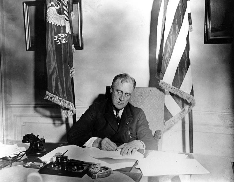 FDR Signing the Emergency Banking Act