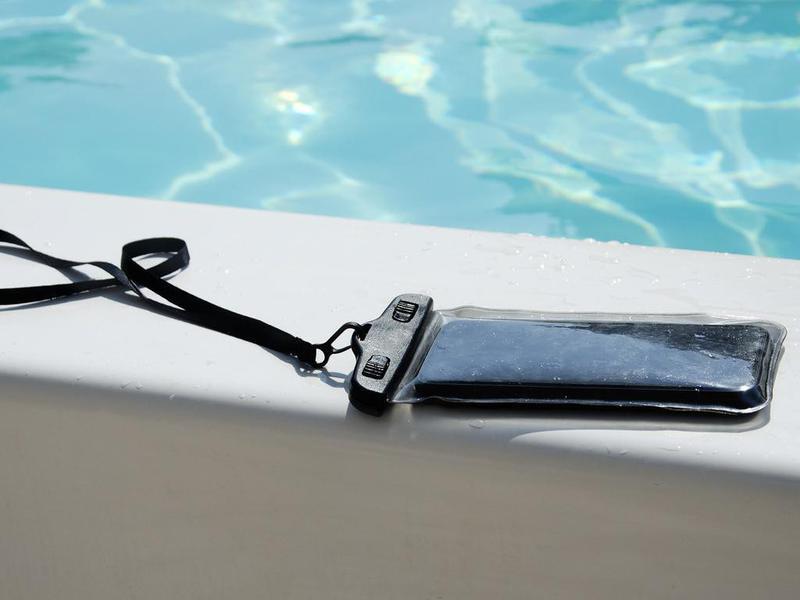 Waterproof case for smartphones