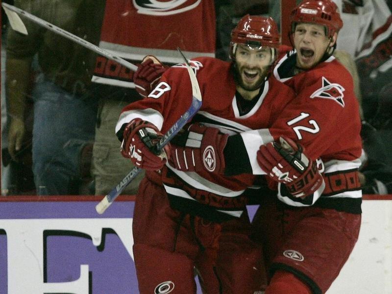 Matt Cullen celebrates a goal