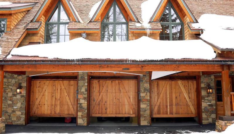 Automatic three-door garage