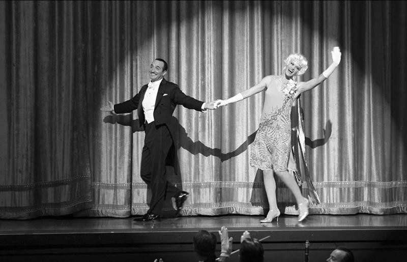 Jean Dujardin and Missi Pyle performing in The Artist