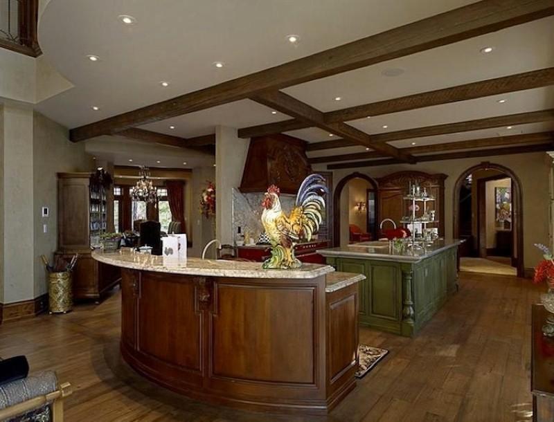 Meghan Markle's rental kitchen