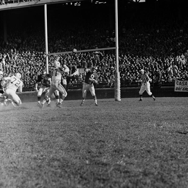 Sonny Jurgensen against the Dallas Cowboys in 1961