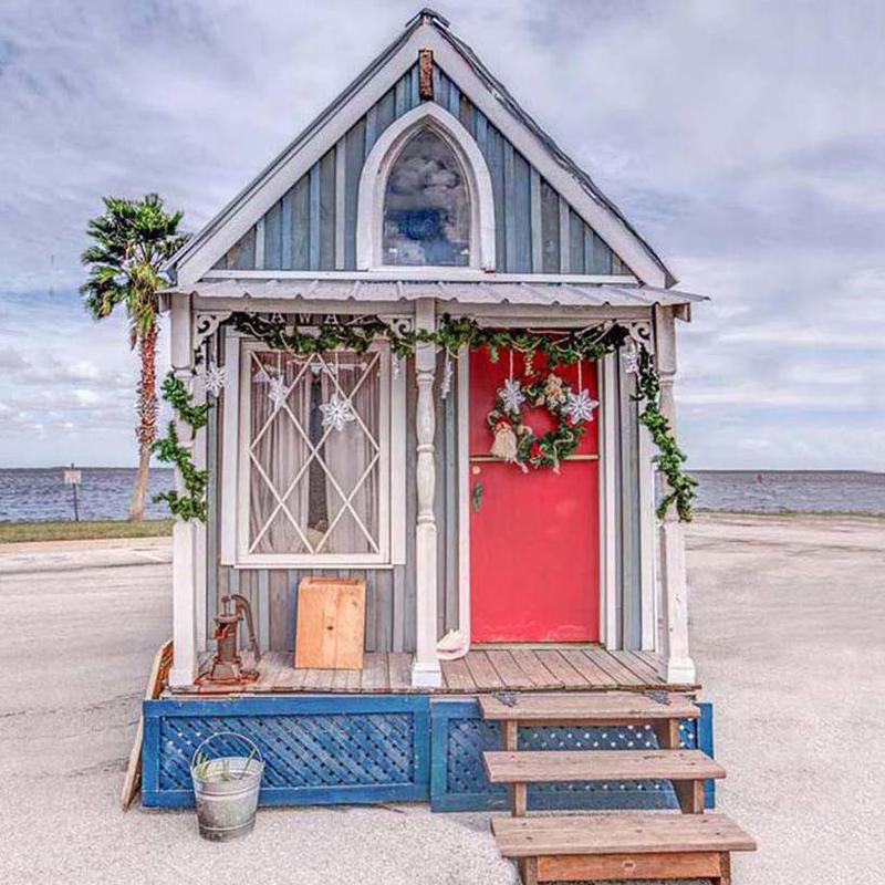 Nawaka — The Victorian Tiny House