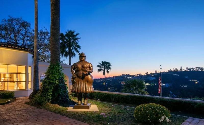 LeBron James' statue