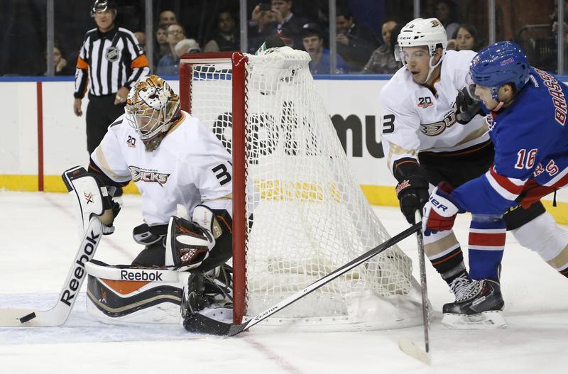 Anaheim Ducks goalie Frederik Andersen