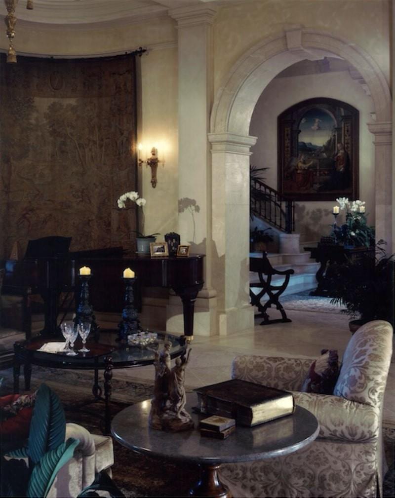 Villa Firenze interior room with piano