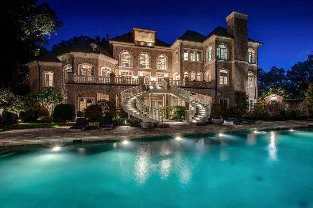 Kelly Clarkson's house