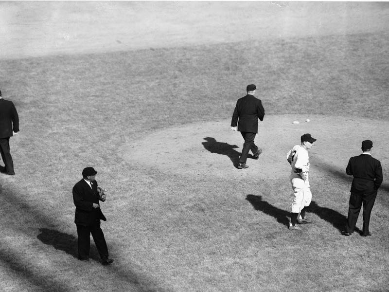 Leo Durocher continues to argue with umpires