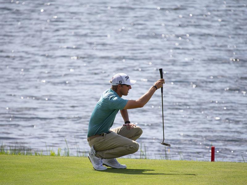Richy Werenski lines up birdie putt during final round of the 3M Open